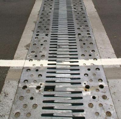 桥梁伸缩缝的更换